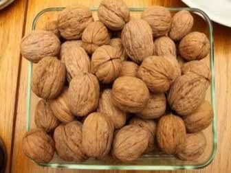6 Walnut Health Benefits for Your Heart, Waistline, Brain and More