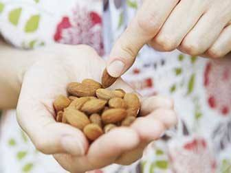 How to Use Almonds for Weight Loss 2
